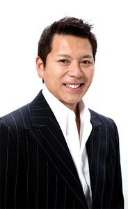 フェニックスソフト、『キミと野球』のイメージキャラクターとして、パンチ佐藤さんを起用
