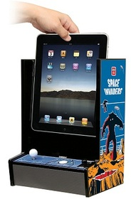タイトー、iPadを元祖スペースインベーダーの筐体に変えるアクセサリーを発売
