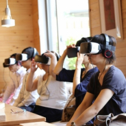 VRでハラスメント体験 シルバーウッドが研修用のコンテンツをリリース