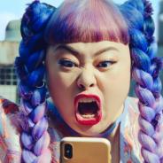 NHN PlayArt、渡辺直美さんを起用した『A.I.M.$』新TVCMを放映開始! 間一髪のド派手なアクションで荒稼ぎ!?