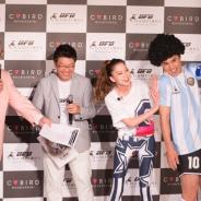 サイバードが贈るサッカークラブ育成ゲーム『BFB Champions』のプレス発表会をレポート 小島よしおさんのギャグハットトリックの行方は
