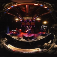 フジロック2016にも出演する英国ロック・バンド「KULA SHAKER」がリハーサル風景を360度VR動画で無料配信