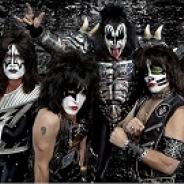 セガネットワークス、『デーモントライヴ Ver.2.0』で伝説のロックバンド「KISS」とのコラボを開始