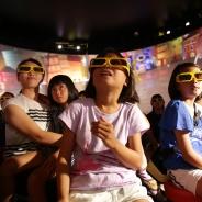ゲームセンター初 子供と一緒に楽しめるVRシアター「4D王」がセブンパークアリオ柏店にオープン