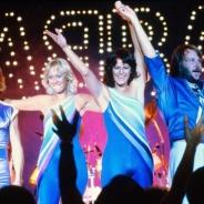 VRで「ABBA」が蘇る? 企業家のサイモン・フラー、ABBAのメンバー、ユニバーサルミュージックがVR技術を使用した革新的な事業に乗り出すと発表