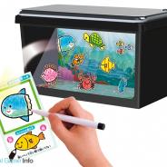 タカラトミーアーツ、手描きの魚が泳ぎだす!?「おえかきすいそう ピクチャリウム」を発売 iPhoneのカメラで「おさかなカード」をスキャン