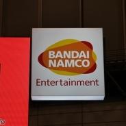 【キャラホビ2015】バンダイナムコはアーケード新作「ガンダムU.C.カードビルダー」が注目集める 「聖闘士星矢」「ジョジョ」なども出展