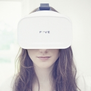 視線追跡型ヘッドセット「FOVE 0」が11月3日0時から受注開始 ウェブサイト・プロモーションビデオもリニューアル