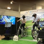 クロスデバイス、「VR Centerイオンレイクタウン店」に実際に自転車漕ぐ「VR-CYCLE」を設置