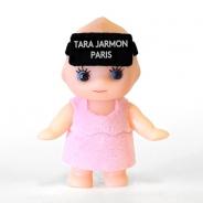 アパレルブランド「TARA JARMON」のポップアップストアでVR体験 ノベルティにはめっちゃかわいいHMDを付けたキューピーチャームが
