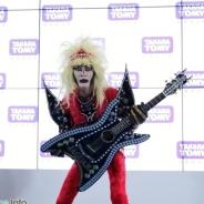 【おもちゃショー16】タカラトミーアーツ、千葉の英雄ジャガーさんの直筆サイン入りTシャツを発売決定…記念ステージイベントを開催
