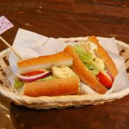【レポート】あの「フィーネの手作りサンド」も食べられる『アナザーエデン』初のコラボカフェをレポート…店内にはファン必見の設定資料も!