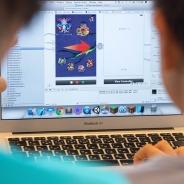 「ひっぱりハンティング」のゲーム作りを通じ、子どもたちのプログラミング教育を支援 iPhone ゲーム開発体験ワークショップが開催