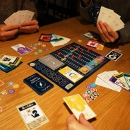 仮想通貨を遊びながら学べるボードゲーム『THE仮想通貨』が「Makuake」に登場! 受付開始日に目標額に到達