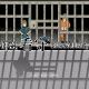 WINGIT、ドット絵の逆脱出アドベンチャーゲーム『拝啓、看守はじめました。』にサイドストーリーを追加