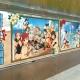 """スクエニ、『スクールガールストライカーズ』の大型壁面ポスターを全国5都市で掲示 持ち帰り可能な""""特製シール""""を設置"""