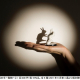 バンダイ ベンダー事業部、影絵が楽しめる不思議な手のフィギュア『影絵の手~動物~』を発売…暗闇で光を当てると動物のシルエットが浮かび上がる