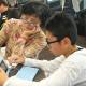 セガトイズ、シニアと孫が一緒に学ぶ「シュミカツ!×セガトイズ プログラミング教室」を開催 プログラミング玩具「マジカル・ミー・パッド」を使用